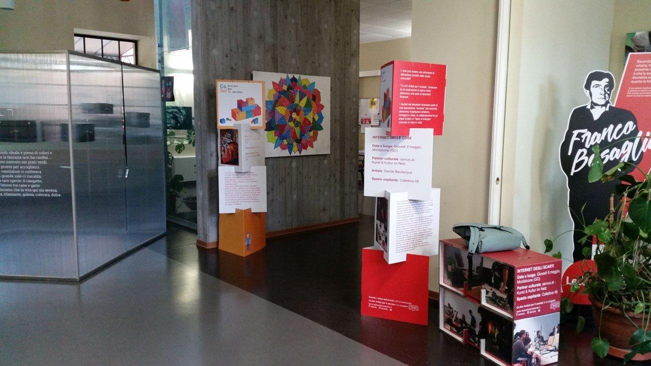 Co.So. Artisti per il sociale, allestimento della mostra presso il CSM di Gorizia